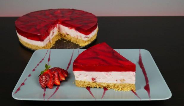 Γλυκό ψυγείου φράουλας χωρίς προσθήκη ζάχαρης (VIDEO), από τους Μιχάλη και Χάρη Καρελάνη και το Redmoon-foodaholics.gr!