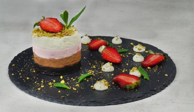 Πάστα lila pause χωρίς προσθήκη ζάχαρης (VIDEO), από τους Χάρη και Μιχάλη Καρελάνη και το redmoon-foodaholics.gr!