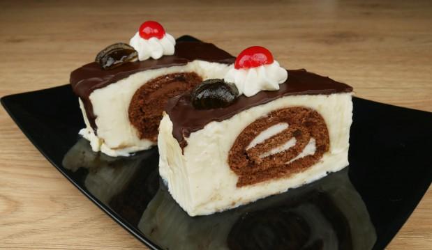 Γλυκό ψυγείου με Swiss rolls (VIDEO), από τους Μιχάλη και Χάρη Καρελάνη και το Redmoon-foodaholics.gr!