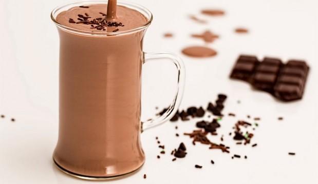 Σοκολατούχο ρόφημα με ταχίνι, από τον Βαλάντη Γραβάνη και το ionsweets.gr!