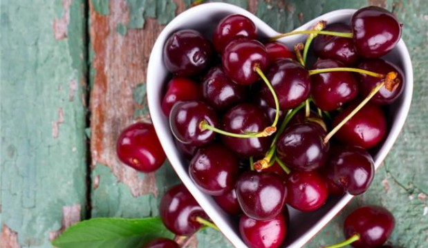 «Κεράσι: ένα φρούτο με ισχυρά αντιοξειδωτικά», από την Κάλλια Θ. Γιαννιτσοπούλου  Κλινική διαιτολόγο– διατροφολόγο, ΜSc, MBA, SRD  Υπεύθυνη του Επιστημονικού Διαιτολογικού Κέντρου ΄Σώμα Υγιές' και το  somaygies.gr!
