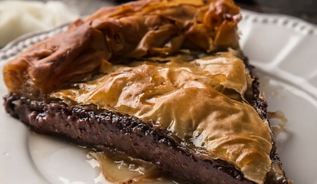 Γαλακτομπούρεκο με λαχταριστή κρέμα σοκολάτας (VIDEO), από την Μαριλού Παντάκη και το madameginger.gr!