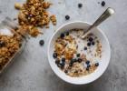 """«9 τροφές που το παίζουν """"υγιεινές"""", αλλά δεν είναι», από την Άννα Χαλικιά και το madameginger.com!"""