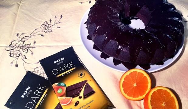 Κέικ σοκολάτας με επικάλυψη σοκολάτα ION DARK με βιολογικό πορτοκάλι, από την Αριάδνη Πούλιου και το ionsweets.gr!