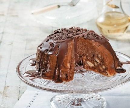 Παγωμένη μπόμπα από σεμιφρέντο με μπισκότα κανέλας και μέλι, από τον Δημήτρη Χρονόπουλο και το olivemagazine.gr!