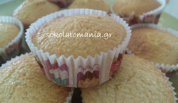 Πανεύκολα cupcakes καρύδας από το sokolatomania.gr!