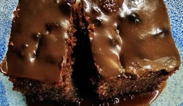 Σιροπιαστή σοκολατόπιτα, από τον Παντελή Κατρακάρη και το  thinkdrops.gr!