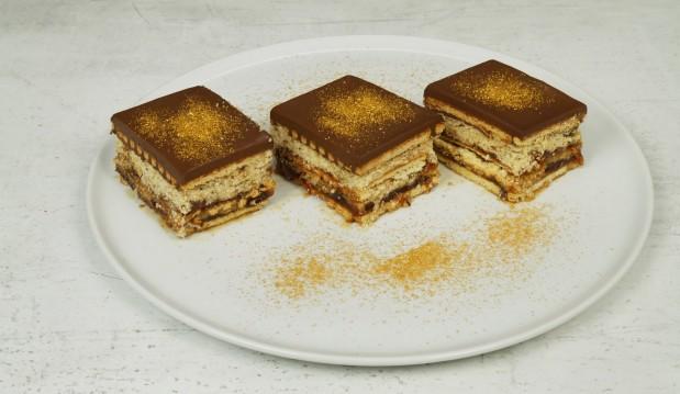 Μπισκοτογλυκό ψυγείου σε 10 λεπτά(Video), από τους Χάρη και Μιχάλη Καρελάνη και το redmoon-foodaholics.gr!