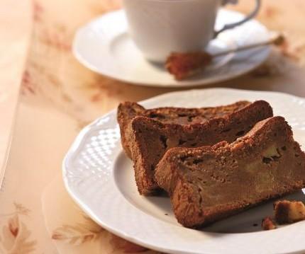 Σοκολατένιο κέικ με καραμελωμένα μήλα, από την Σιμόνη Καφίρη και το olivemagazine.gr!