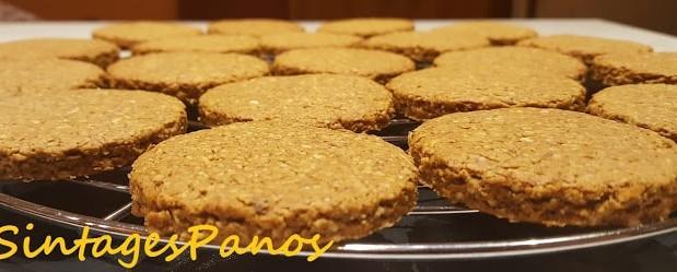 Μπισκότα βρώμης με μέλι, φρούτα, και ξηρούς καρπούς, από τον Παναγιώτη Θοδωρίτση και το sintagespanos-zaxaroplastiki.blogspot.com!