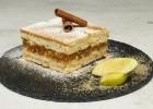 Γλυκό ψυγείου μηλόπιτα με μπισκότα(VIDEO), από τους Χάρη και Μιχάλη Καρελάνη και το redmoon-foodaholics.gr!