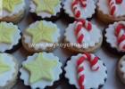 Χριστουγεννιάτικα μπισκότα κανέλας με ζαχαρόπαστα, από την αγαπημένη μας Ρένα Κώστογλου και το koykoycook.gr!