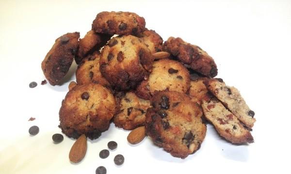 Κετογονική Διατροφή : Μαλακά choc chip μπισκότα βουτύρου με αμύγδαλο, από την Mika Kitrina και το ketokitchenninja.com!