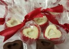 Σοκολατάκια με γέμιση φράουλας (τύπου Lacta) για τους ερωτευμένους, από τη Μαριφάνη Ξανθάκη!