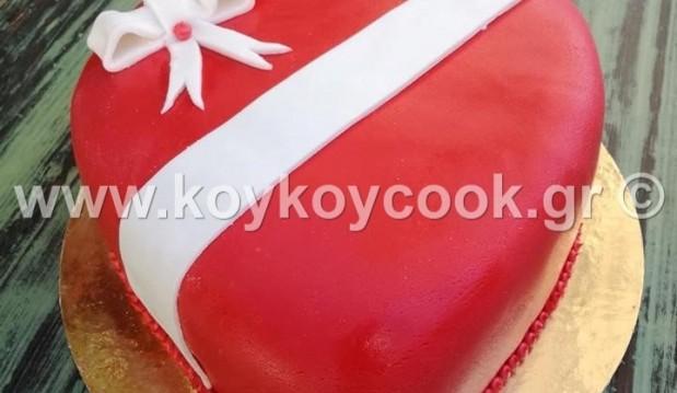 Τούρτα σοκολάτα καρδιά με ζαχαρόπαστα, από την αγαπημένη μας Ρένα Κώστογλου και το koykoycook.gr!