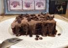 Τρυπητό κέικ σοκολάτας (chocolate poke cake), από την Μπέτυ μας και το «Taste of life by Betty»!