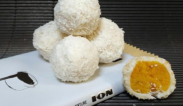 Σοκολατάκια με μανταρίνι, πορτοκάλι και λευκή κουβερτούρα ΙΟΝ, από τον Μιχάλη Σαράβα και το ionsweets.gr!