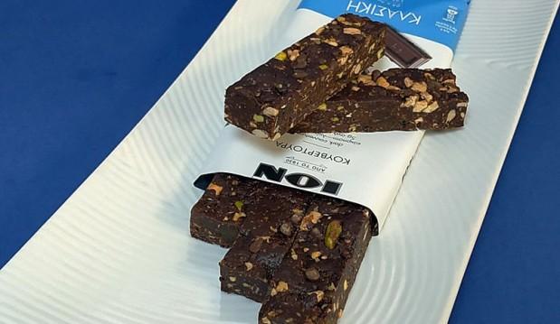 Νηστίσιμες μπάρες με κουβερτούρα κλασική, σταγόνες μαύρης σοκολάτας και κακάο ΙΟΝ, από τον Μιχάλη Σαράβα και το  ionsweets.gr!