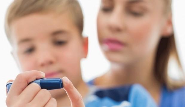 «Μαμά/μπαμπά την επόμενη φορά που θα διστάσεις να μιλήσεις για το διαβήτη μου, να μη σκεφτείς τον έξω κόσμο, αλλά το δικό μου κόσμο…» από την Κωνσταντίνα Φραντζεσκάκη και το diabeteslife.gr!
