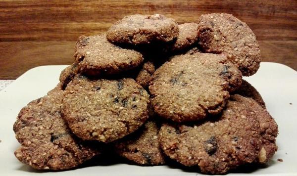 Κετογονική Διατροφή: Τραγανά choc-chip μπισκότα με φουντούκι, από την αγαπημένη  Μika Kitrina και το ketokitchenninja.com!