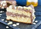 Κέικ αμυγδάλου με δροσερή σοκολατένια κρέμα τυριού, από το sintayes.gr!