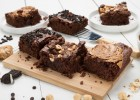 Vegan Brownies σοκολάτας σε 3 φανταστικές γεύσεις (VIDEO), από την Άννα Χαλικιά και το madameginger.com!