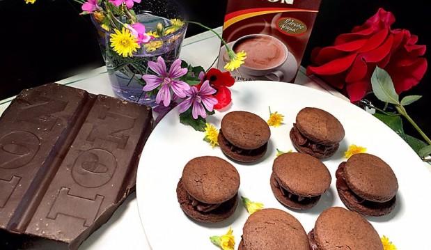 Σοκολατένια μπισκότα, από την Αριάδνη Πούλιου και το ionsweets.gr!
