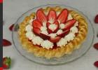 Γλυκό ψυγείου φράουλα με σφολιάτα (VIDEO),  από τους Χάρη και Μιχάλη Καρελάνη και το redmoon-foodaholics.gr!