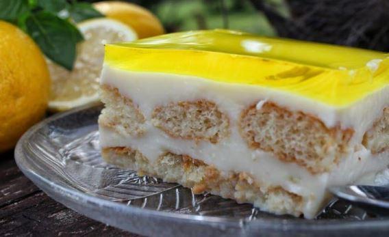 Δροσερό γλυκό ψυγείου με κρέμα και ζελέ με άρωμα λεμονιού (Video), από  το sintayes.gr!