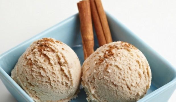 Παγωτό κανέλα, από το icookgreek.com!